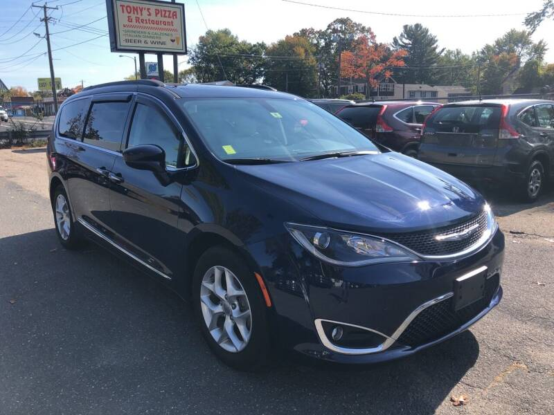 2017 Chrysler Pacifica for sale at Chris Auto Sales in Springfield MA