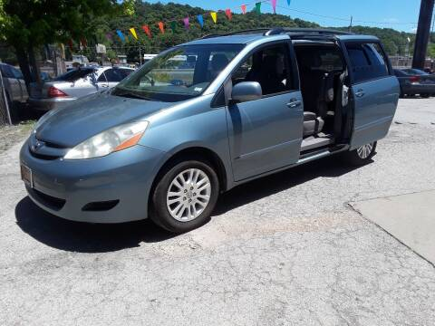 2009 Toyota Sienna for sale at BBC Motors INC in Fenton MO
