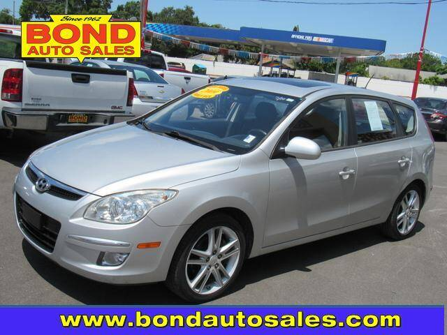 2009 Hyundai Elantra for sale at Bond Auto Sales in St Petersburg FL