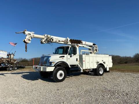 2005 International  7400 Digger Derrick Auger for sale at Ken's Auto Sales & Repairs in New Bloomfield MO