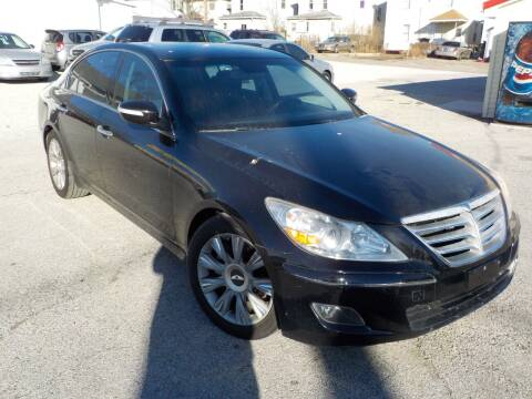 2009 Hyundai Genesis for sale at SEBASTIAN AUTO SALES INC. in Terre Haute IN