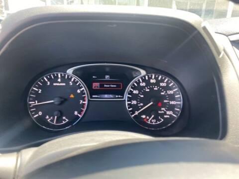 2018 Nissan Pathfinder for sale at Camelback Volkswagen Subaru in Phoenix AZ