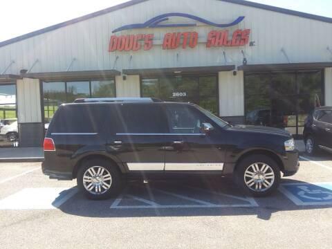 2010 Lincoln Navigator for sale at DOUG'S AUTO SALES INC in Pleasant View TN