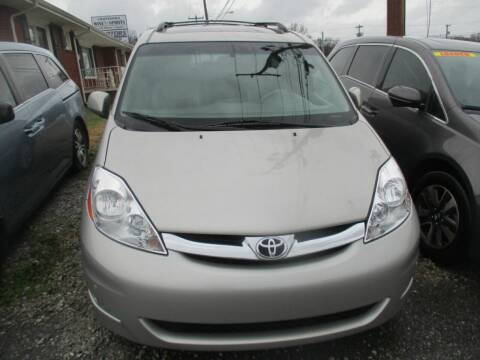 2007 Toyota Sienna for sale at Z Motors in Chattanooga TN