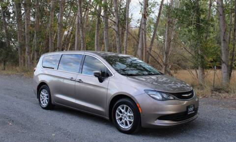 2018 Chrysler Pacifica for sale at Northwest Premier Auto Sales in West Richland WA