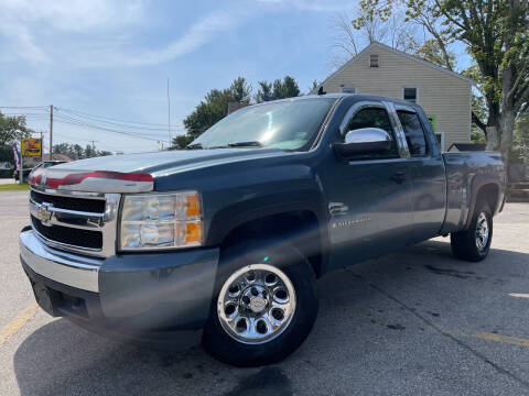 2007 Chevrolet Silverado 1500 for sale at J's Auto Exchange in Derry NH