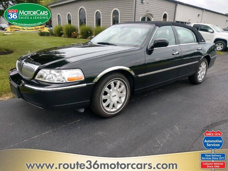 2007 Lincoln Town Car for sale at ROUTE 36 MOTORCARS in Dublin OH