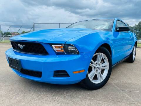 2012 Ford Mustang for sale at AUTO DIRECT Bellaire in Houston TX