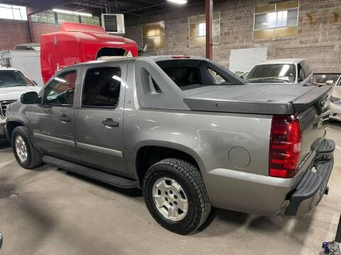 2009 Chevrolet Avalanche for sale at Affordable Mobility Solutions, LLC - Standard Vehicles in Wichita KS