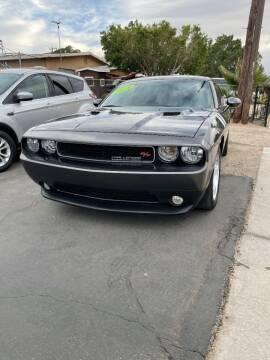 2014 Dodge Challenger for sale at CURIEL'S AUTO SALES LLC in Yuma AZ
