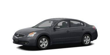 2009 Nissan Altima for sale at LAKE CITY AUTO SALES in Forest Park GA