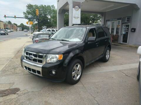 2010 Ford Escape for sale at ROBINSON AUTO BROKERS in Dallas NC