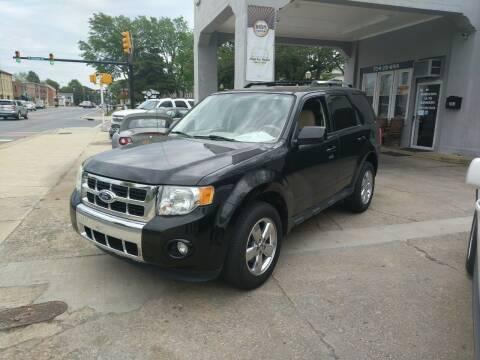 2010 Ford Escape for sale at ROBINSON AUTO BROKERS in Dallas NC