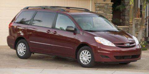 2007 Toyota Sienna for sale at HILAND TOYOTA in Moline IL
