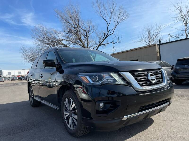 2017 Nissan Pathfinder for sale at Makka Auto Sales in Dallas TX