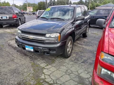 2005 Chevrolet TrailBlazer for sale at Arak Auto Group in Bourbonnais IL