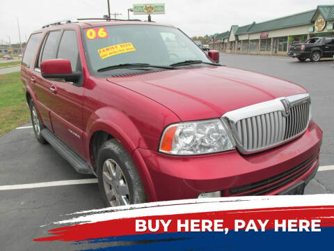 2006 Lincoln Navigator for sale at Auto World in Carbondale IL