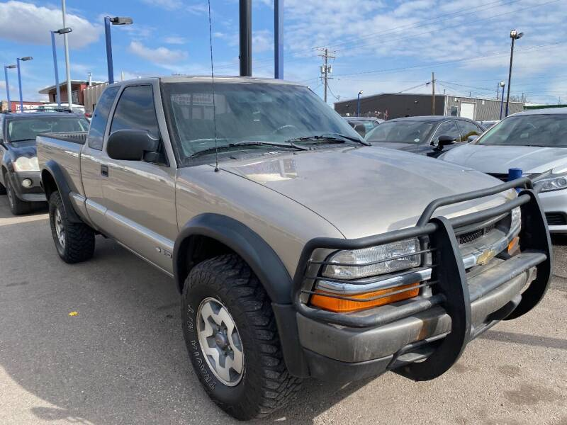 1999 Chevrolet S-10 for sale at New Wave Auto Brokers & Sales in Denver CO