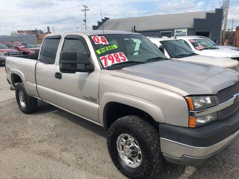 2004 Chevrolet Silverado 2500HD for sale at Kramer Motor Co INC in Shelbyville IN