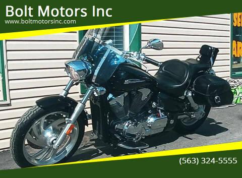 2004 Honda VTX for sale at Bolt Motors Inc in Davenport IA