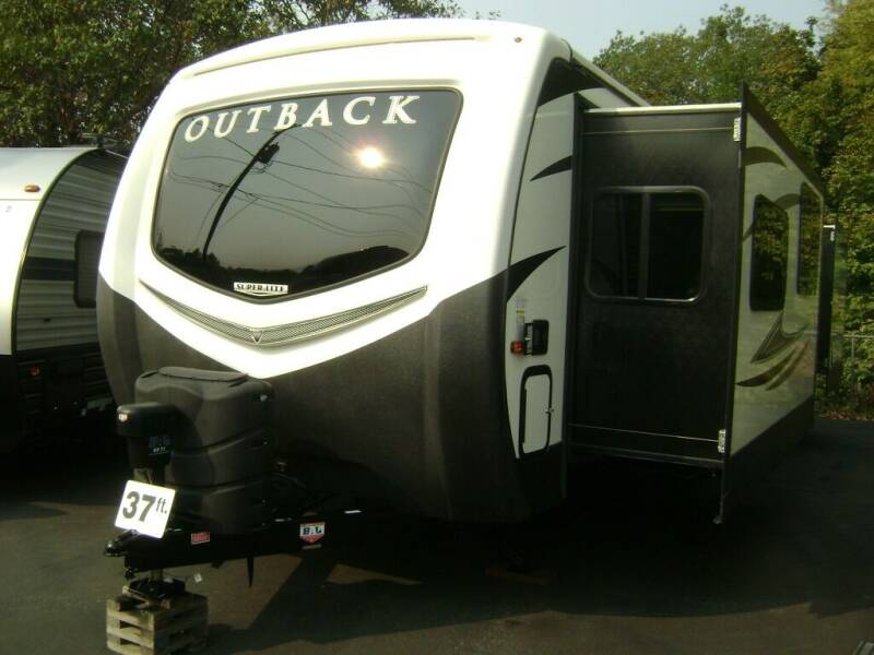2017 Keystone Outback 333FE / 37ft for sale at Jim Clarks Consignment Country - Travel Trailers in Grants Pass OR