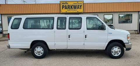 2011 Ford E-Series Wagon for sale at Parkway Motors in Springfield IL