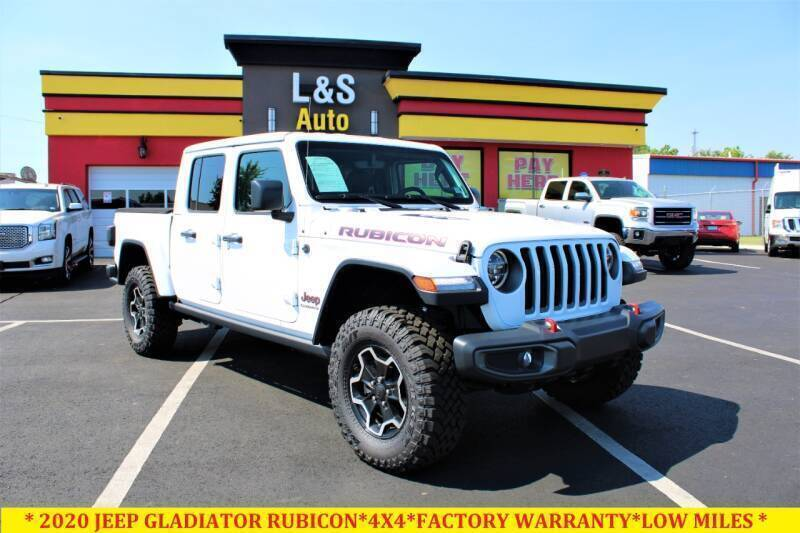 2020 Jeep Gladiator for sale at L & S AUTO BROKERS in Fredericksburg VA