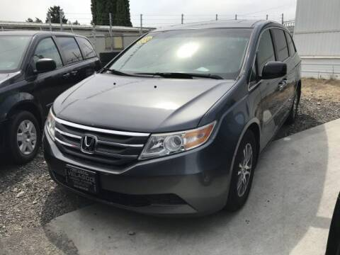 2011 Honda Odyssey for sale at Velascos Used Car Sales in Hermiston OR