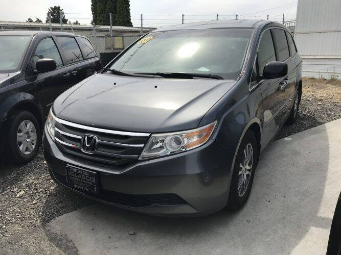 2011 Honda Odyssey for sale at Velascos Used Car Sales in Hermiston OR