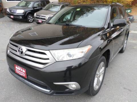 2013 Toyota Highlander for sale at AUTO CONNECTION LLC in Springfield VT