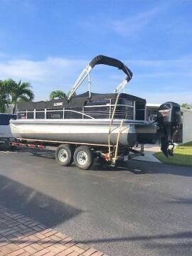 2014 LMC PONTOON for sale at M.D.V. INTERNATIONAL AUTO CORP in Fort Lauderdale FL