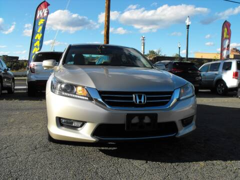2013 Honda Accord for sale at Merrimack Motors in Lawrence MA