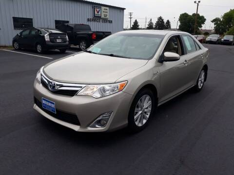 2014 Toyota Camry Hybrid for sale at Dakota Cars and Credit LLC in Sioux Falls SD