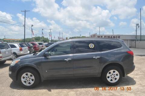 2009 Chevrolet Traverse for sale at BIG 7 USED CARS INC in League City TX