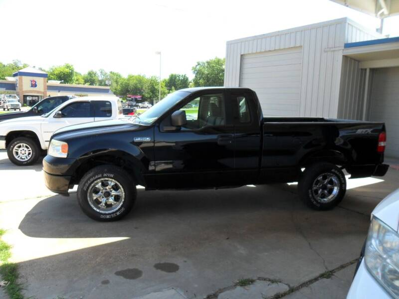 2005 Ford F-150 for sale at C MOORE CARS in Grove OK