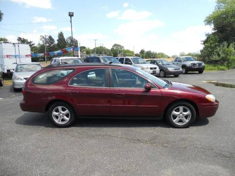 2004 Ford Taurus for sale at All Cars and Trucks in Buena NJ