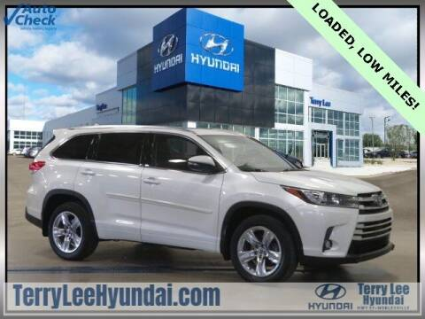 2018 Toyota Highlander for sale at Terry Lee Hyundai in Noblesville IN