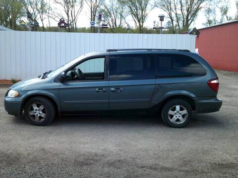 2005 Dodge Grand Caravan for sale at Chaddock Auto Sales in Rochester MN