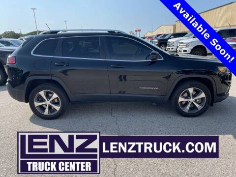 2019 Jeep Cherokee for sale at LENZ TRUCK CENTER in Fond Du Lac WI