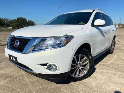 2013 Nissan Pathfinder for sale at AUTO DIRECT Bellaire in Houston TX