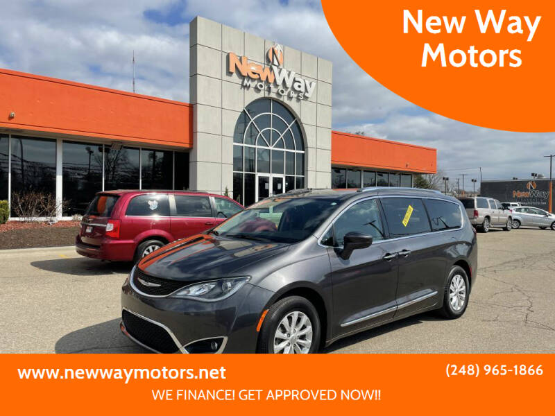 2018 Chrysler Pacifica for sale at New Way Motors in Ferndale MI