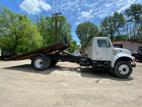 2000 International 4900 for sale at D & M Auto Sales & Repairs INC in Kerhonkson NY