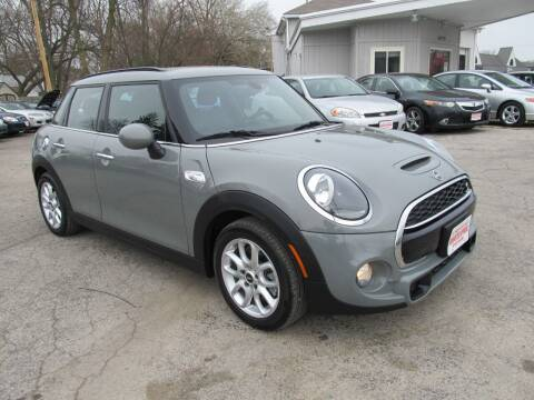2019 MINI Hardtop 4 Door for sale at St. Mary Auto Sales in Hilliard OH