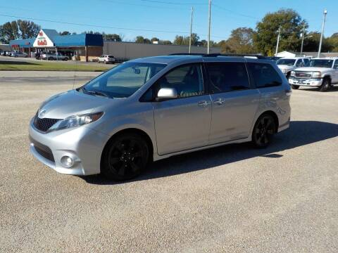2014 Toyota Sienna for sale at Young's Motor Company Inc. in Benson NC