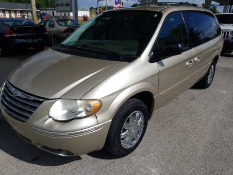 2006 Chrysler Town and Country for sale at Springfield Select Autos in Springfield IL