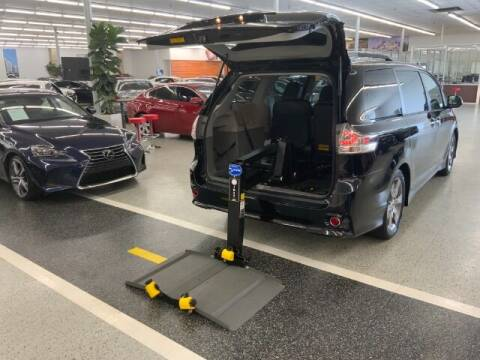 2014 Toyota Sienna for sale at Dixie Imports in Fairfield OH