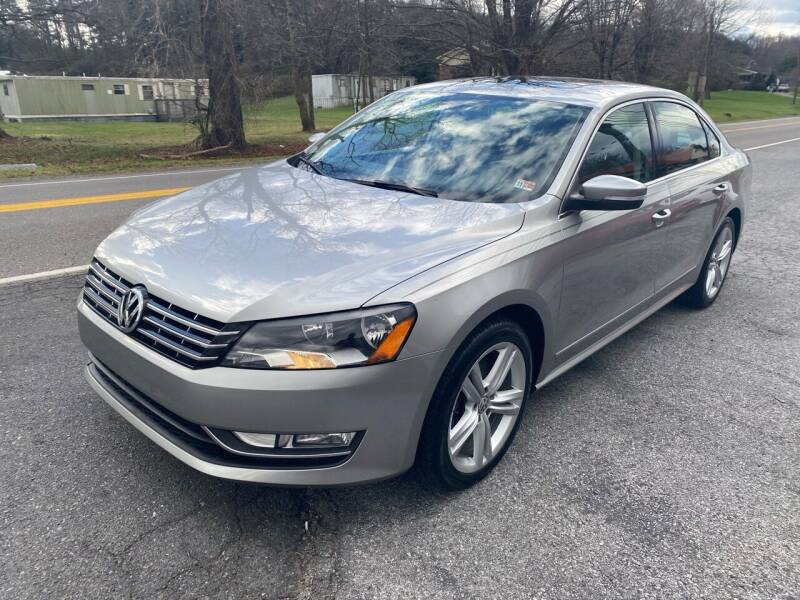 2013 Volkswagen Passat for sale at THE AUTOMOTIVE CONNECTION in Atkins VA