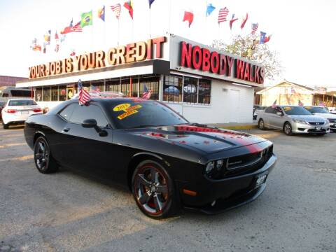 2013 Dodge Challenger for sale at Giant Auto Mart 2 in Houston TX