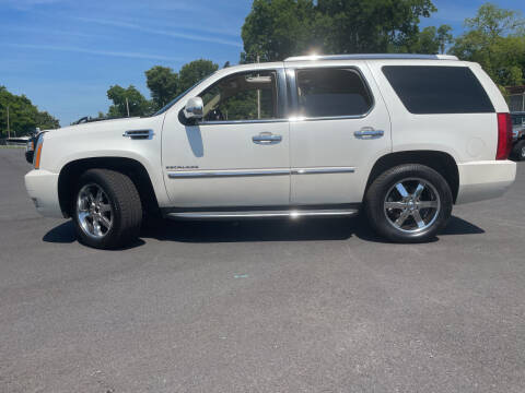 2011 Cadillac Escalade for sale at Beckham's Used Cars in Milledgeville GA