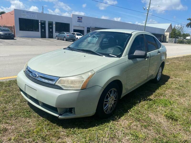 2011 Ford Focus for sale at UNITED AUTO BROKERS in Hollywood FL